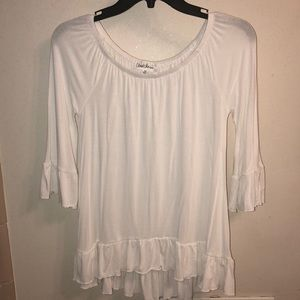 Tops - NWOT White Ruffle top
